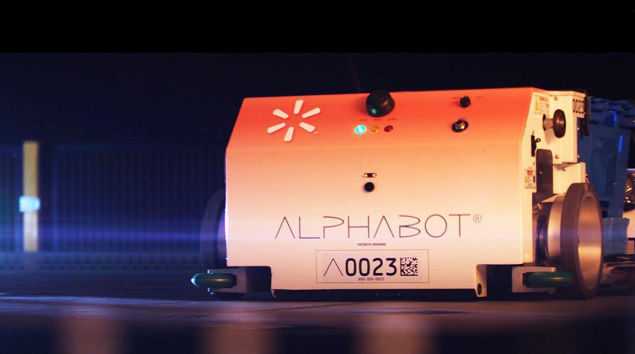 월마트 매장에서 테스트 중인 알파봇(Alphabot)으로 불리는 모바일 로봇(사진:얼럿 이노베이션)