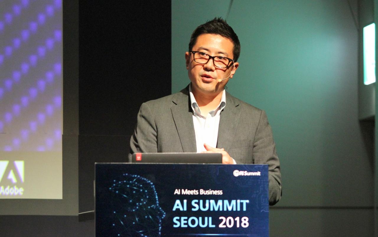 어도비(Adobe) 제품 관리자 & 지역 담당관인 히로 아와노하라시(Hiro Awanohara Sr)
