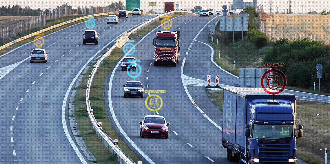 솔루션은 다양한 ADAS 제품과 연동을 통하여 복합적인 안전 운행 서비스도 제공한다